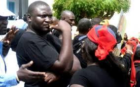 Toussaint Manga  en garde à vue au Commissariat Central de Dakar