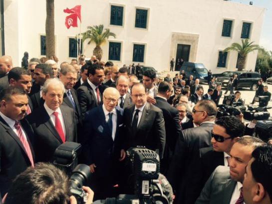 Marche contre le terrorisme à Tunis : Hollande au côté du président Essebsi