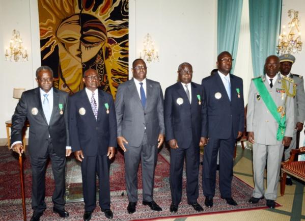 """Décoration d'anciens Pm et Présidents de l'Assemblée Nationale: """"Cette cérémonie répare une anomalie et une injustice subies jusque là par de hautes personnalités, selon  Macky Sall"""