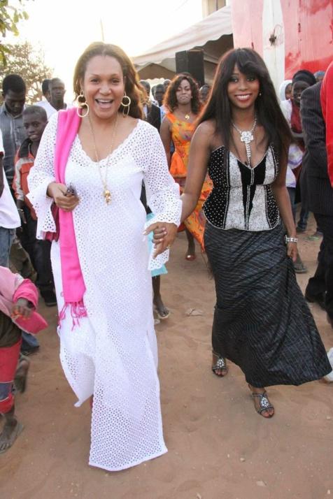 Adiouza avec Gaelle Samb, l'épouse de Khalifa Sall