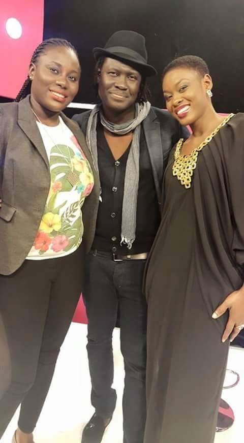 Yoro Ndiaye en toute complicité avec Sophie Diop et Ngoné de la 2stv