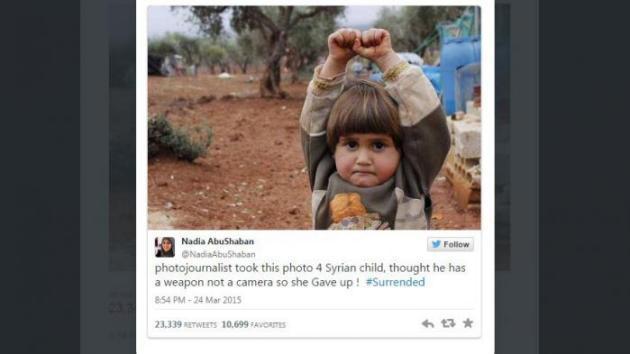 """Photo virale d'une petite Syrienne : """"J'ai compris à quel point elle était terrifiée après avoir pris la photo"""""""