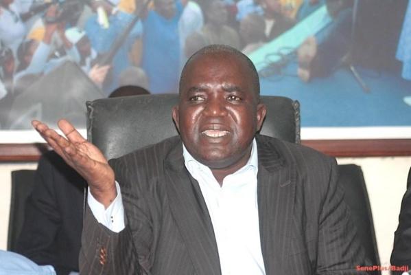 Départ de l'ex-PM du Pds: Souleymane Ndéné Ndiaye est sorti par la petite porte, selon Oumar Sarr