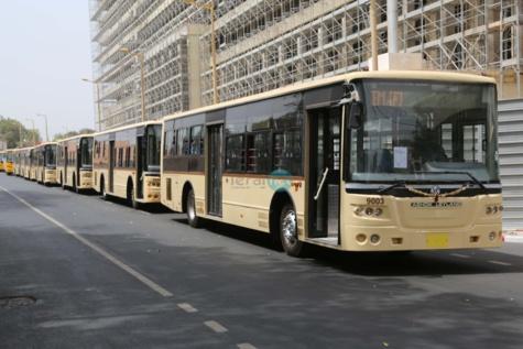 Macky Sall réceptionne le 1er lot des nouveaux bus de DDD aux couleurs de l'Apr