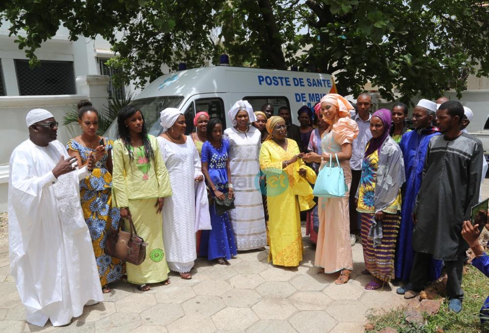 Fondation Servir le Sénégal:  La Première Dame offre une ambulance médicalisée à la Commune de Mbiddi