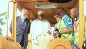 """Malgré les """"raids"""" répétés de Banjul sur Dakar : Macky Sall rend à Yaya ce qui appartient à Jammeh"""