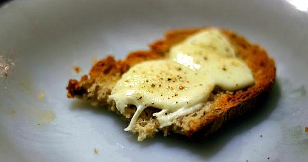 Les gens qui aiment le fromage grill font plus l 39 amour et sont de meilleures personnes c 39 est - Quantite fromage par personne ...
