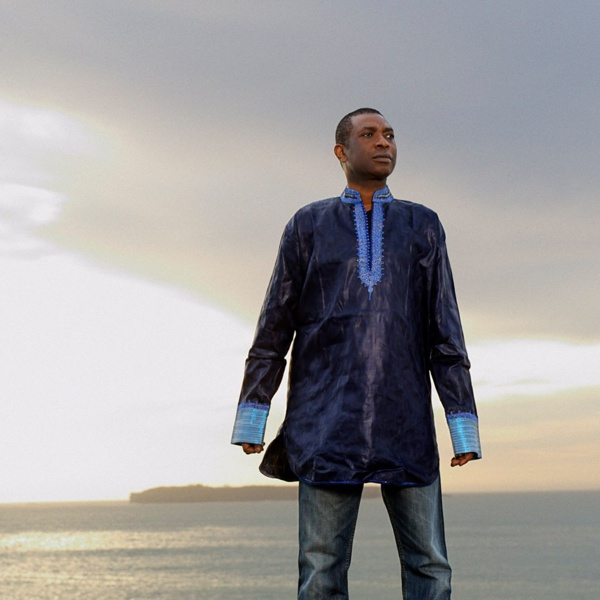 Youssou Ndour donne un coup de pouce à l'épanouissement des enfants