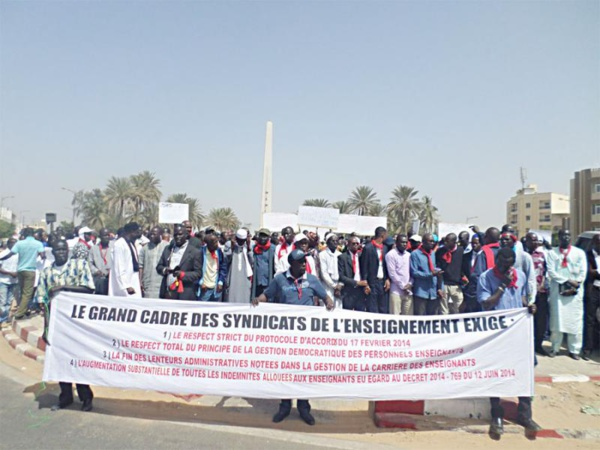 Débrayage, rétention des notes, boycott des cellules pédagogiques, trois jours de grève générale... : L'école prise en otage