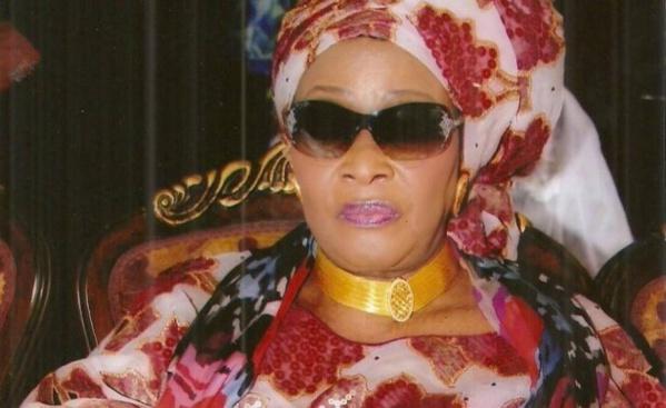 """Aida Ndiongue se défend: """"Nous les gens du fleuve, nous aimons les bijoux"""