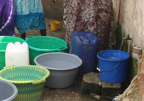Construction de fosses septiques dans les rues de Dakar : Le réseau de la Sde encourt un risque de contamination