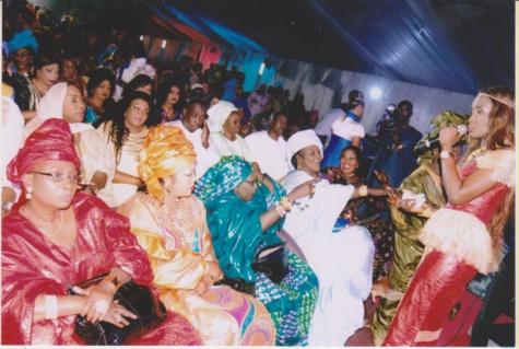 Admirez l'élégance de la grande cantatrice Fatou Kiné Mbaye, la maman de Coumba Gawlo