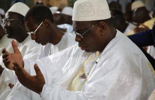 Macky Sall présent à la prière du vendredi à Médina Gounass