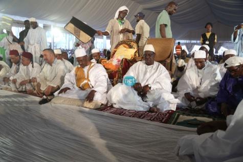 Les Cherifs,Thierno Amadou Tidiane Bâ, Macky Sall et Abdoulaye Daouda Diallo au Hadrat Diouma