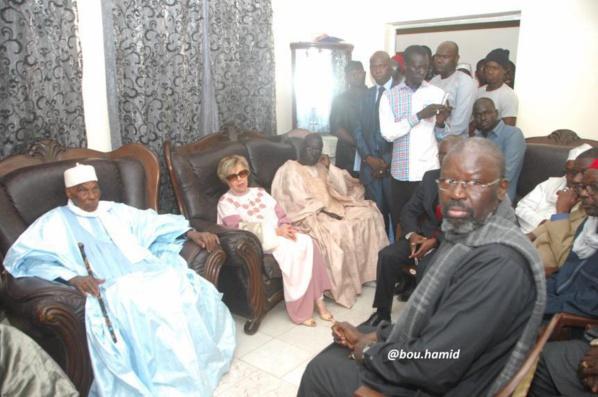 Me Wade chez Babacar Gaye pour lui présenter ses condoléances