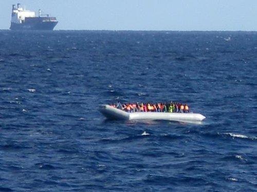 Immigration clandestine : le HCR redoute 700 morts dans le naufrage d'un bateau en Méditerranée