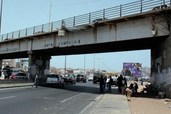 Les images de la cérémonie de la démolition du Pont Sénégal 92