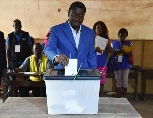 Togo: la présidentielle peine à mobiliser les électeurs, le sortant Gnassingbé favori