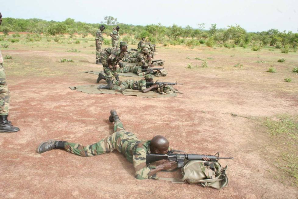 Les journalistes à l'école des fusiliers voltigeurs