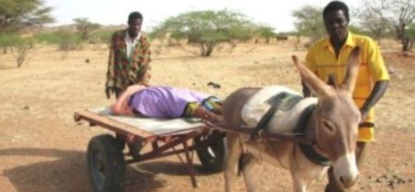 Kédougou : « Nous délivrons des femmes en utilisant des lampes torches », selon l'infirmier en chef du poste de santé de Népen