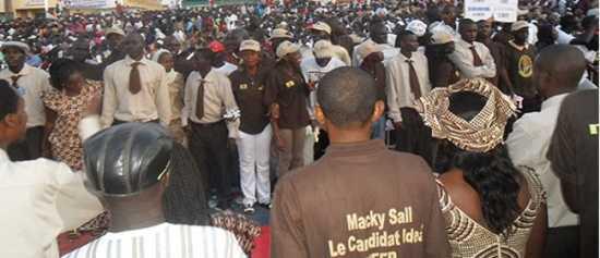 Crise à l'Apr de Guédiawaye : La députée Awa Sow huée par les jeunes supposés proches d'Aliou Sall