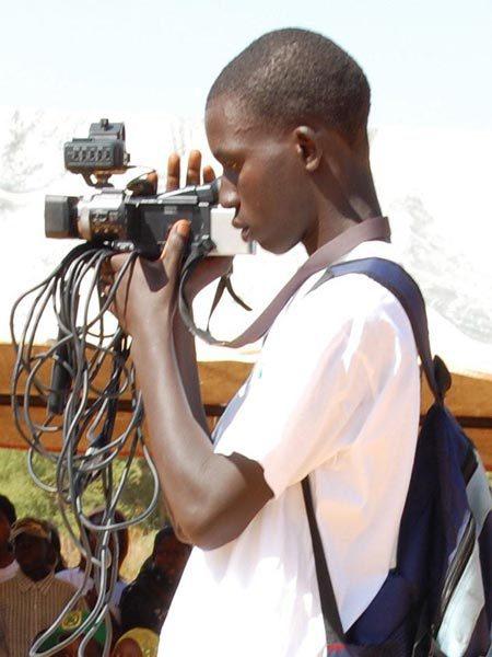 LERAL recherche un stagiaire cameraman monteur à disponibilité immédiate