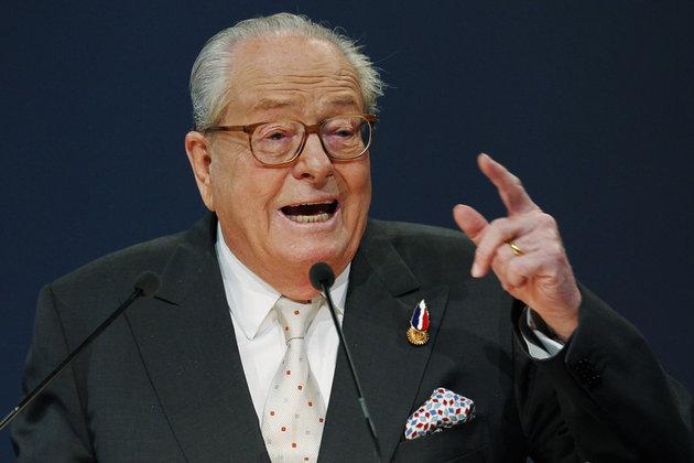 """Jean-Marie Le Pen : une victoire de Marine à l'Elysée, """"ce serait scandaleux"""""""