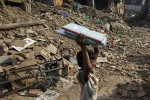 Népal : Les secours atteignent les zones reculées