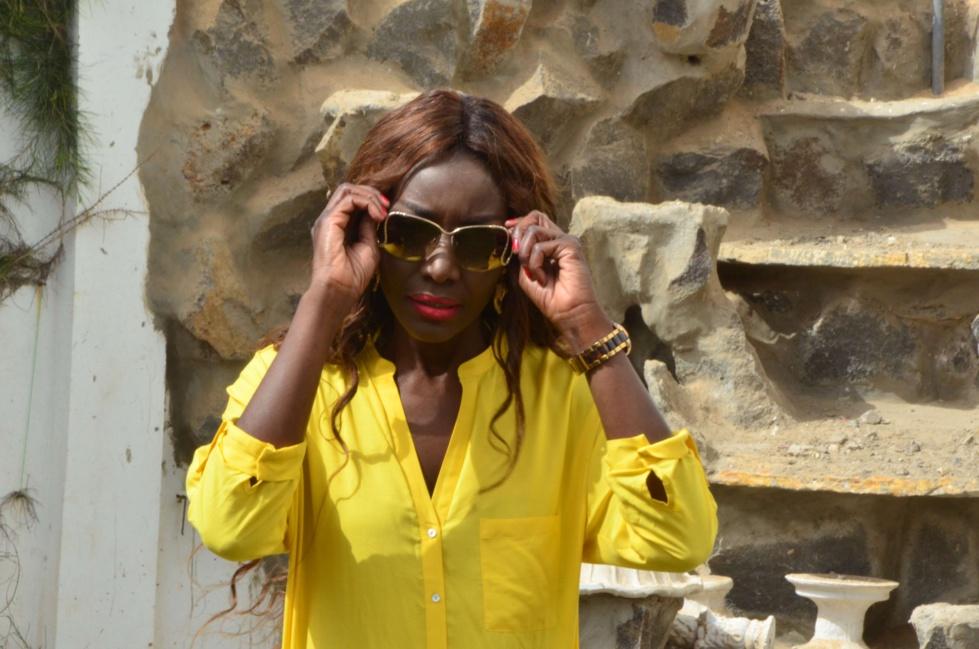 Coumba Gawlo annonce les couleurs de l'été avec élégance