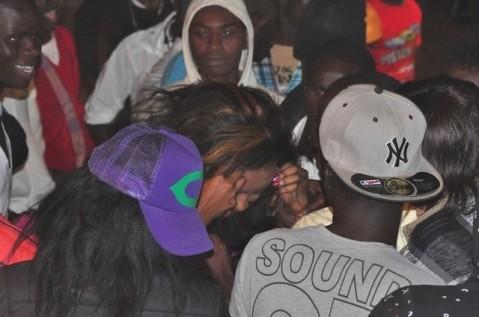4 photos-Mbathio Ndiaye se fait expulser d'une boîte de nuit après une bagarre