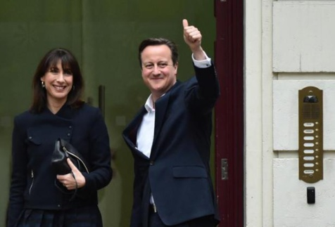Elections en Grande-Bretagne: Les Conservateurs obtiennent la majorité absolue de 326 sièges