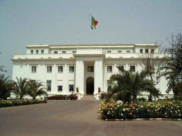 """Palais de la République : Les """" courtiers """" mis hors d'état de nuire, le crédit téléphonique rationalisé"""