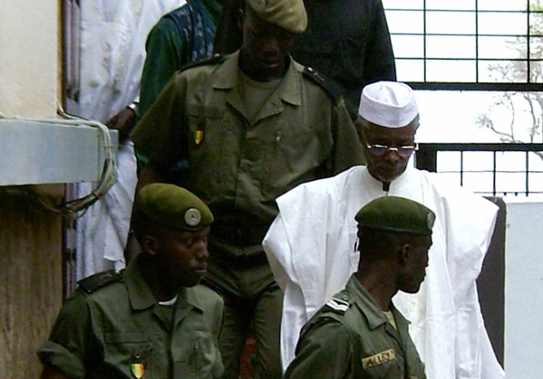 Son procès annoncé pour le 20 juillet prochain, Habré brandit la menace du boycott, son avocat met en garde