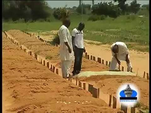 Reportage sur la préparation de l'enterrement des morts à Touba ( 11.000 FCfa le forfait à payer pour tout le monde sans exception )