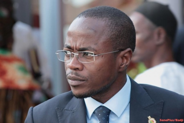 Image - Sortie du Ps: Abdoul Mbow contre attaque