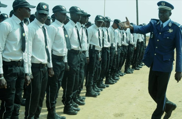 Ziguinchor : l'Administration pénitentiaire envoie des lettres de félicitations à deux asp