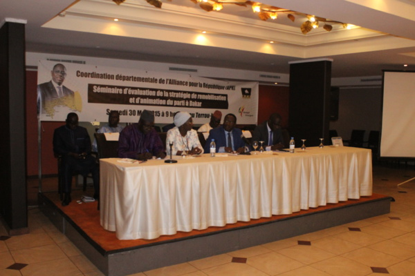Abdoulaye Diouf Sarr dope ses camarades « apéristes » de Dakar pour réélire le Président Macky Sall