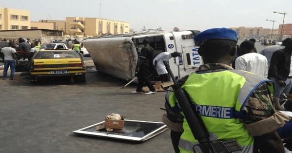 Collision entre 2 bus Tata sur la Vdn : Les chauffeurs lourdement sanctionnés