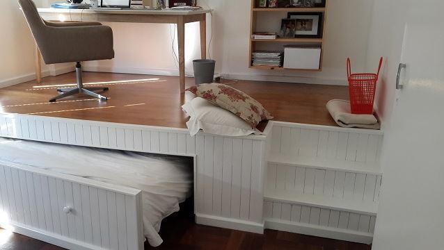 vous ne devinerez jamais ce que cette structure en bois va devenir omg l 39 appartement est bien. Black Bedroom Furniture Sets. Home Design Ideas