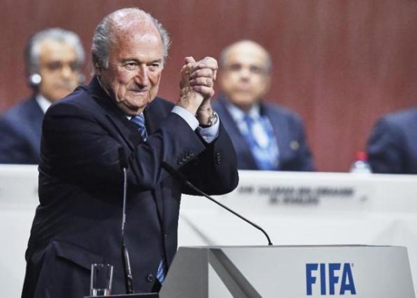 Scandale à la FIFA : Le président Joseph Blatter démissionne