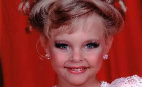 10 choses qui arrivent inévitablement aux filles qui ont des visages d'enfant