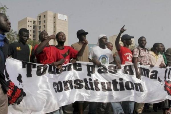De nos jours, la Constitution a bon dos