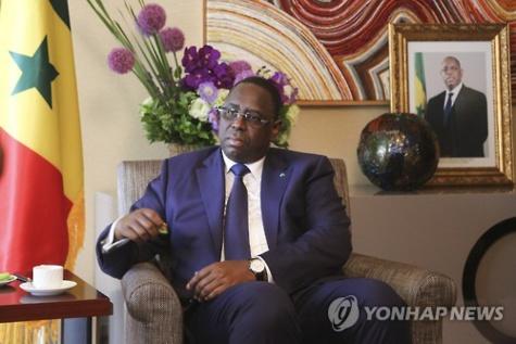 Le président du Sénégal, Macky Sall, lors d`une interview exclusive accordée à l`Agence de presse Yonhap le 4 juin 2015 à Séoul