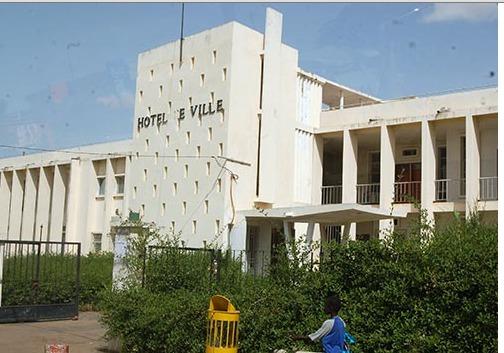 Rififi à l'hôpital Heinrich Lubke de Diourbel : les travailleurs exigent la lumière sur un marché de 100 millions de francs Cfa
