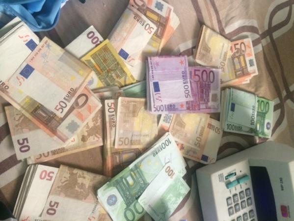 """Sébikotane : 2 milliards en faux billets d'euros saisis, un """"marabout"""" et son lieutenant arrêtés"""