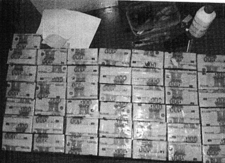 Voici les  paquets  retrouvés chez Thione Seck