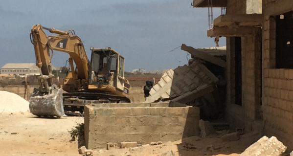 Démolition des constructions jouxtant le mur de l'aéroport : Les récalcitrants en sursis jusqu'à mercredi