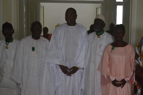 Distinctions : Mankeur Ndiaye élève des agents de son ministère à l'unité de l'Ordre nationale du mérite