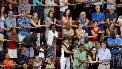 Fusillade dans une église noire aux Etats-Unis : Hommage aux victimes à Charleston