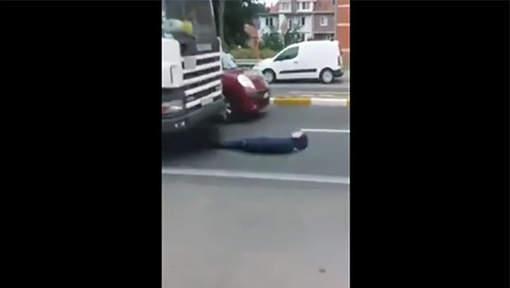 """L'élève qui saute sous un camion pour le fun: """"Je ne suis pas assez fou!"""""""